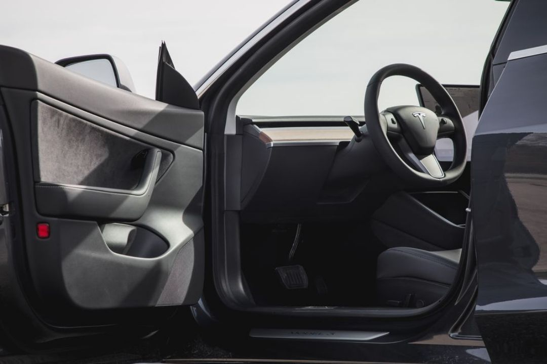 2019 Tesla Model 3 Review, Pictures, Pricing and Specs ...